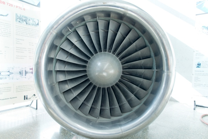 Dependable aircraft turbo engines are the prerequisite for safe airline operations. (c)